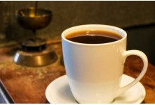 Тоуба (Сенегал) --> Още при изпичането на зърната, към кафето се прибавя гвинейски пипер. Самата напитка се сварява като обичайно кафе с филтър.