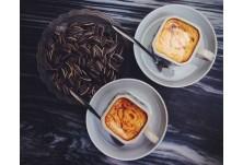 Яйчено кафе (Виетнам) --> В основата на рецептата е яйченият жълтък, горещо мляко, захар и горчиво кафе